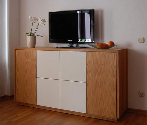 Highboard für TV