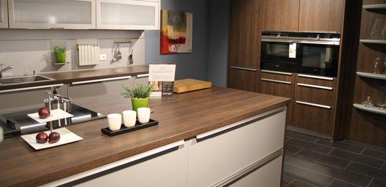 Wir Vereinen Funktionale Vorteile Mit Begeisternden Ideen Und Stilvollen  Designs. Regelmäßig Bieten Wir Preisreduzierte Ausstellungsstücke Rund Um  Küche Und ...