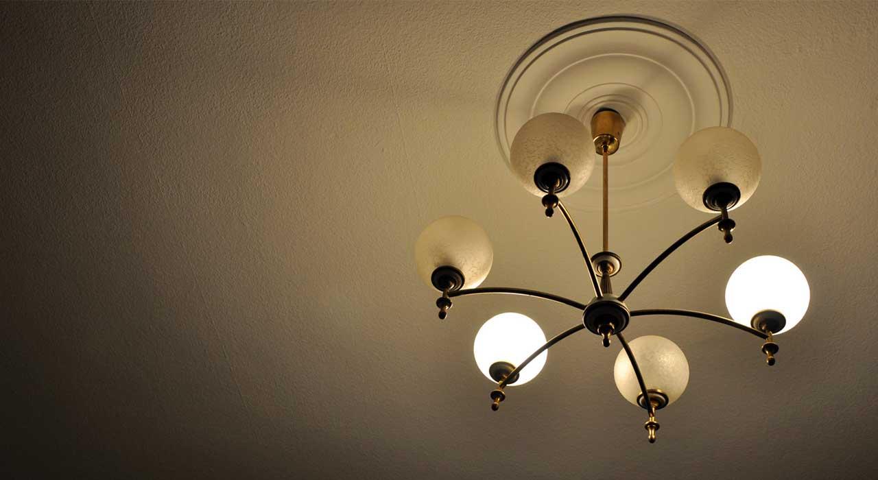 sechs profitipps f r das streichen und renovieren von decken ratgeber magazin tipps von. Black Bedroom Furniture Sets. Home Design Ideas