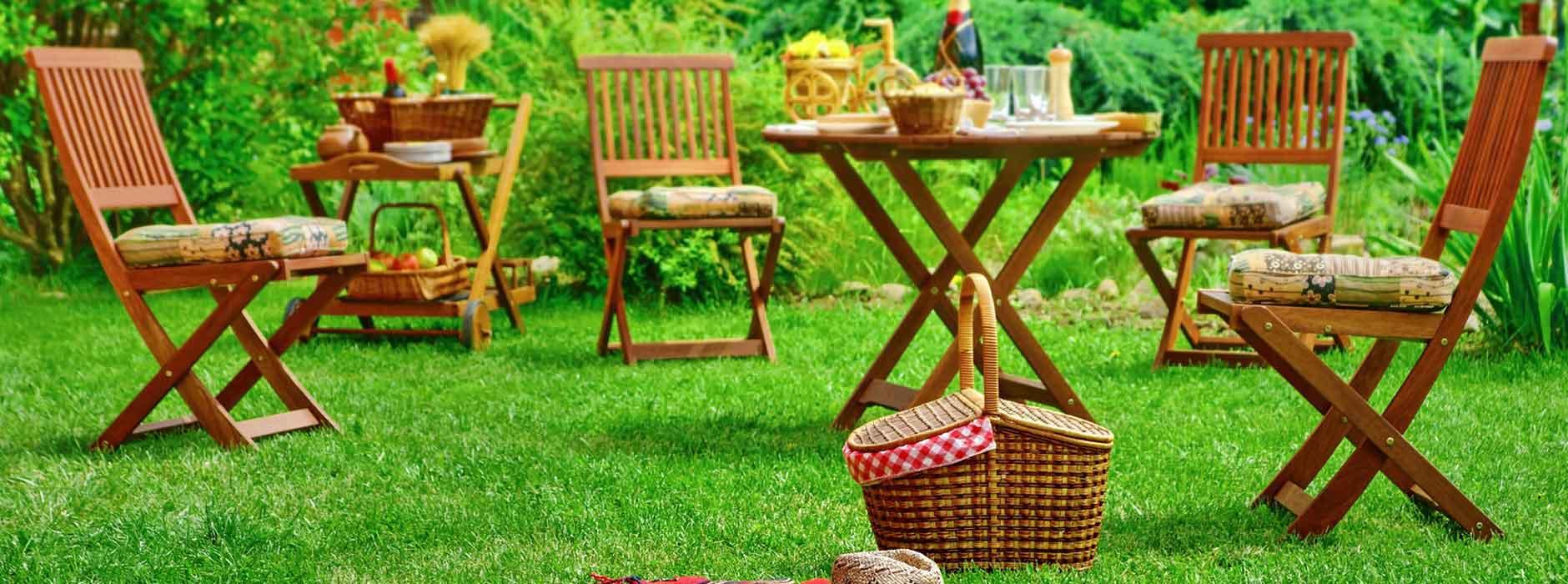 Teak, Bambus, Plastik? Die beste Materialwahl für Ihre Gartenmöbel ...